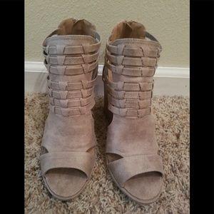 Qupid Bootie/Sandal